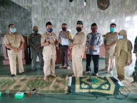 Penyerahan Surat Keterangan Aman Covid - 19 Tempat Ibadah di Kelurahan Sorosutan