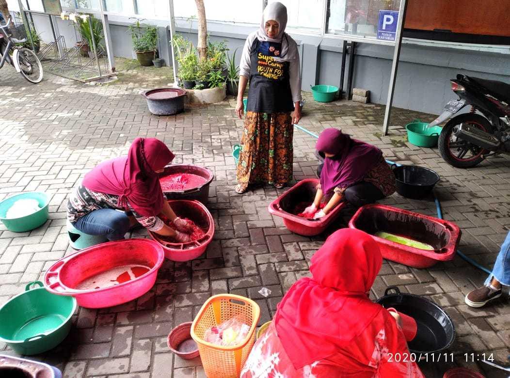 Pelatihan Batik Jumputan